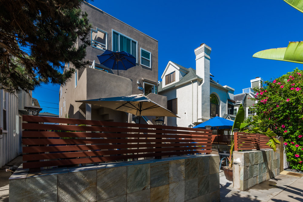 perfect multi family beach bay location w patio san diego